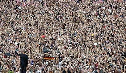 נאומיו הטובים והחשובים ביותר היו בפני הציבור. אובמה בברלין ב-2008 (צילום: AP) (צילום: AP)