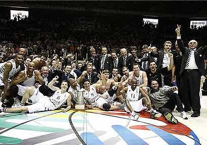 ההישג האחרון של בולוניה היה ב-2009, עם זכייה ביורוצ'אלנג'. כמו גמר NBA, לא? (צילום: fibaeurope.com) (צילום: fibaeurope.com)