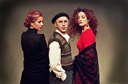 """""""בוסתן ספרדי"""". 4,500 שקל ליעקב כהן, התחייבות לעשר הצגות בחודש (ז'ראר אלון) (צילום: ז'ראר אלון) (צילום: ז'ראר אלון)"""