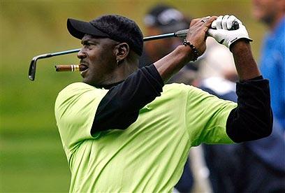 בבייסבול מייקל ג'ורדן התרסק, הגולף נשאר תחביב (צילום: AP) (צילום: AP)