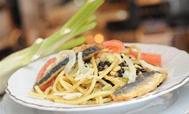 אוכל איטלקי. פסטה קון לה סרדה (צילום: ירון ברנר)