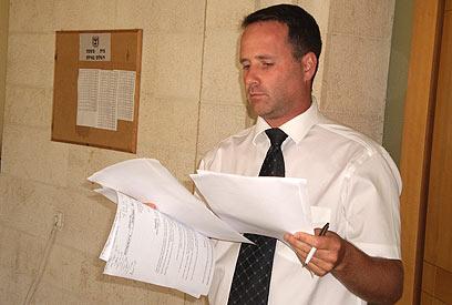 """עו""""ד שרון נהרי: """"מקווה שבית המשפט לא יחליט להכניס את חכים לבית הסוהר"""" (צילום: עזרא ארבלי) (צילום: עזרא ארבלי)"""