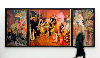 Triptych painted by Otto Dix, among the artists denounced by the Nazis (Photo: EPA)