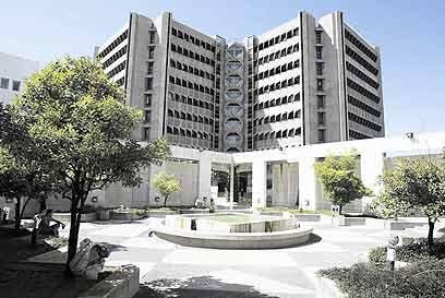 אוניברסיטת תל-אביב. עדיף לגור בדרום העיר (צילום: גלעד קוולרצ'יק)
