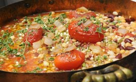 אוכל איטלקי. מרק עם עם גריסים (צילום: ירון ברנר)
