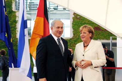 Netanyahu and Merkel. 'Special historical responsibility for Israel's security' (Photo: Amos Ben-Gershom, GPO)