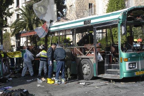 The scene of the terrorist bombing on bus number 19 in Jerusalem (Photo: Gil Yohanan)