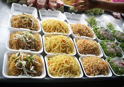 אוכל של יום חול. נודלס בתאילנד (צילום: עדי עליה) (צילום: עדי עליה)