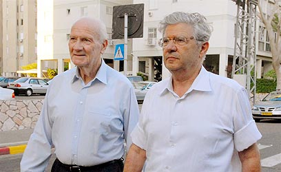 ברק ושמגר. מכס היועץ המשפטי לנשיאות העליון (צילום: ירון ברנר) (צילום: ירון ברנר)