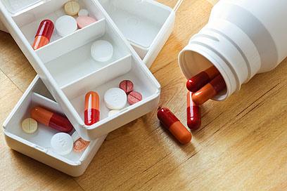 על הרופא לדעת להתאים את התכשיר למחלה ולחולה (צילום: sutterstock) (צילום: sutterstock)