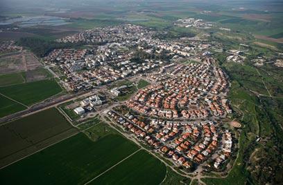 בית שאן, מבט מלמעלה (צילום: באדיבות Lowshot) (צילום: באדיבות Lowshot)