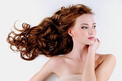 צביעה לאורך זמן עלולה לפגוע באיכות השיער  (צילום: shutterstock) (צילום: shutterstock)