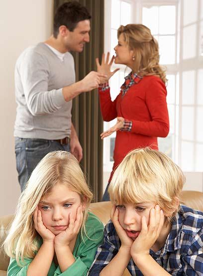 הריב בין ההורים הוביל לנתק בין הילדים לאביהם (צילום: shutterstock) (צילום: shutterstock)
