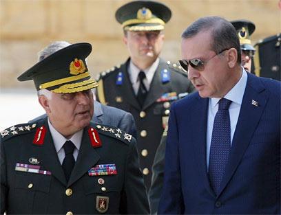 """ראש ממשלת טורקיה. """"טורקיה יכולה הייתה לעשות יותר"""" (צילום: AP) (צילום: AP)"""