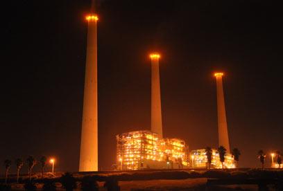 תחנת הכוח בחדרה. תמשיך לפעול, גם בשבתות (צילום: ג'ורג' גינסברג) (צילום: ג'ורג' גינסברג)