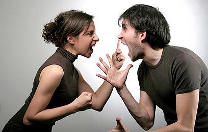 לנשים הללו יש נטייה להגיד דברים קשים שאינן מתכוונות אליהם (צילום: shutterstock)
