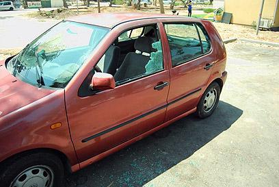 כלי רכב שנפגע בשער הנגב (צילום: זאב טרכטמן) (צילום: זאב טרכטמן)