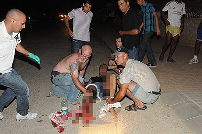 Tending to the wounded (Photo: Herzl Yosef)