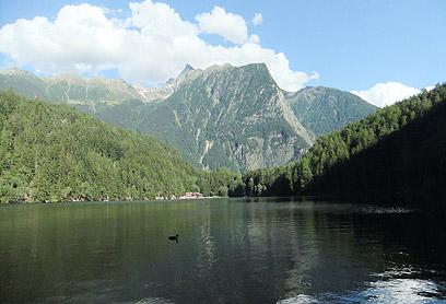 להשתכשך או לפדל בסירה - הכל אפשרי. אגם פיבורג  (צילום: אורנה בן-חיים) (צילום: אורנה בן-חיים)