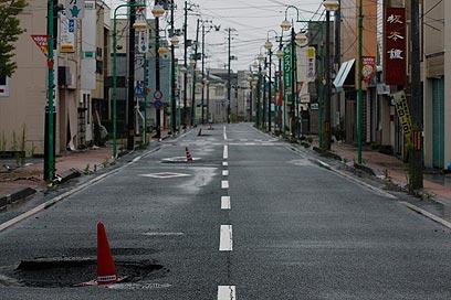 גם העיירה טומיוקה עזובה. ארץ בלי אנשים (צילום: AP) (צילום: AP)