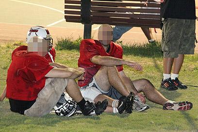 """שחקני הפוטבול שרדפו אחרי אחד הרוצחים. """"לא חשבנו על פחד"""" (צילום: אלי אלגרט) (צילום: אלי אלגרט)"""