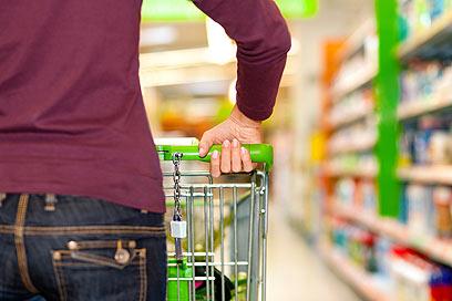 הלקוח יחליט בהתאם אם לקנות. אילוסטרציה (צילום: shutterstock) (צילום: shutterstock)