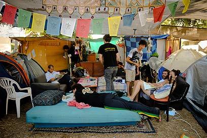 Tel Avivu0027s tent city post mass rally (Photo Yaron ... & Tent cities to undergo re-organization