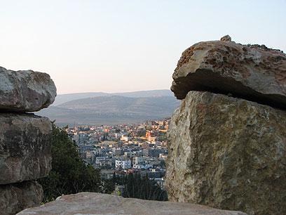 """נוסדה בעת העתיקה בסביבות המאה ה-10 לפנה""""ס. מבט על עראבה (צילום: אלה יונגמן) (צילום: אלה יונגמן)"""