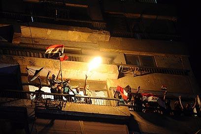 Israel embassy in Cairo under attack (Photo: EPA)