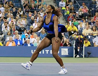 רחוקה משיאה, ועדיין טניסאית נפלאה. סרינה וויליאמס (צילום: רויטרס) (צילום: רויטרס)
