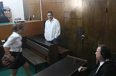 ואנונו, היום בבית המשפט (צילום: מוטי קמחי) (צילום: מוטי קמחי)