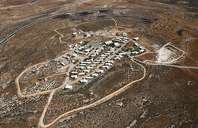 """מאחז מגרון. אלדד: """"בג""""ץ מעדיף את האינטרס הערבי"""" (צילום: Lowshot.com ) (צילום: Lowshot.com )"""