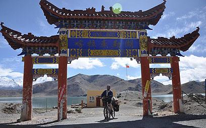 כישראלי התחושה המוזרה הייתה דווקא בסין. ג'ינג'י בקשגאר  (צילום: רועי סדן ) (צילום: רועי סדן )