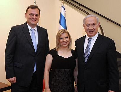 """ראש הממשלה ורעייתו בפגישה עם ראש ממשלת צ'כיה (צילום: אבי אוחיון, לע""""מ) (צילום: אבי אוחיון, לע"""