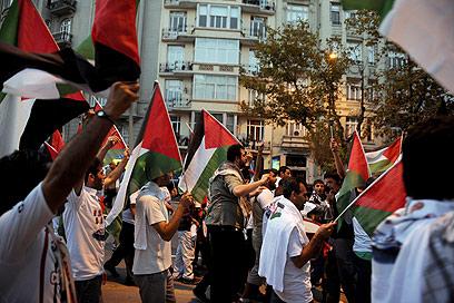 הפגנות אנטי-ישראליות באיסטנבול (צילום: AFP) (צילום: AFP)
