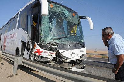האוטובוס שהיה מעורב בתאונה (צילום: הרצל יוסף) (צילום: הרצל יוסף)