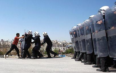 Palestinian forces train ahead of UN showdown (Photo: Reuters)