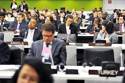 הכיסא הטורקי מיותם בכינוס שבו דיבר איילון (צילום: שחר עזרן) (צילום: שחר עזרן)