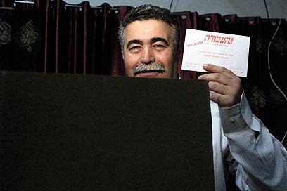 """פרץ בקלפי. """"אין ספק שכולם היו אמורים להצביע עבורי"""" (צילום: צפריר אביוב) (צילום: צפריר אביוב)"""
