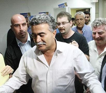 עמיר פרץ אחרי ההפסד בבחירות (צילום: מוטי קמחי) (צילום: מוטי קמחי)