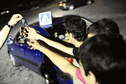 הדרך לרישיון הנהיגה תישאר יקרה (צילום: קובי קואנקס)