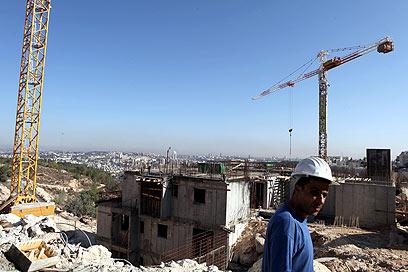 """בנייה בשכונת גילה, לאחר תום ההקפאה. """"יצרנו אווירה פוליטית"""" (צילום: EPA) (צילום: EPA)"""