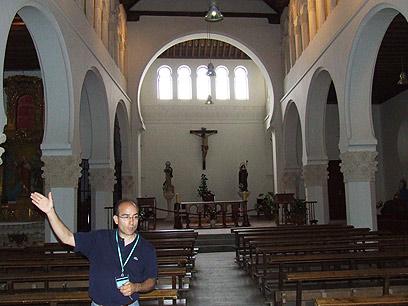 בית הכנסת הגדול הפך לכנסייה (צילום: יואב גלזנר) (צילום: יואב גלזנר)