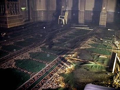 המסגד שהוצת בגליל העליון (צילום: אסמאעיל אל-הייב) (צילום: אסמאעיל אל-הייב)