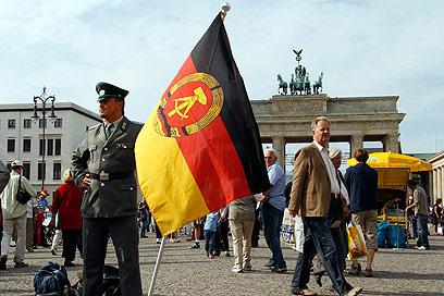 חגיגות האיחוד בשער ברנדנבורג (צילום: רויטרס) (צילום: רויטרס)