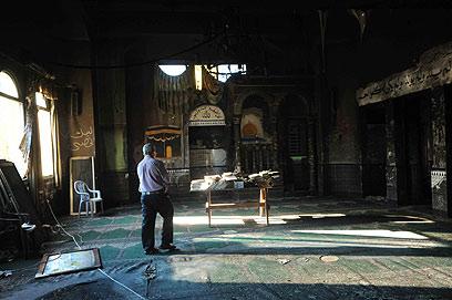 המסגד שהוצת, ביום שאחרי (צילום: אביהו שפירא ) (צילום: אביהו שפירא )