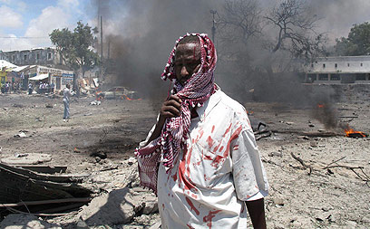 מדינה בלי שלטון מרכזי חזק. פיגוע במוגדישו, בירת סומליה (צילום: AP) (צילום: AP)