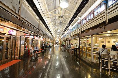 צ'לסי מרקט. מקורה, עם מסעדות לא יקרות (צילום: shutterstock) (צילום: shutterstock)