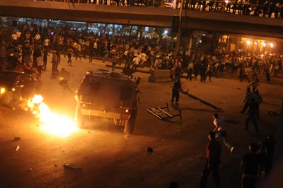 Copts, army clash in Cairo (Photo: AFP)