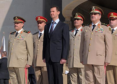 צעד נוסף לחניקת הכלכלה הסורית. אסד (צילום: AP) (צילום: AP)